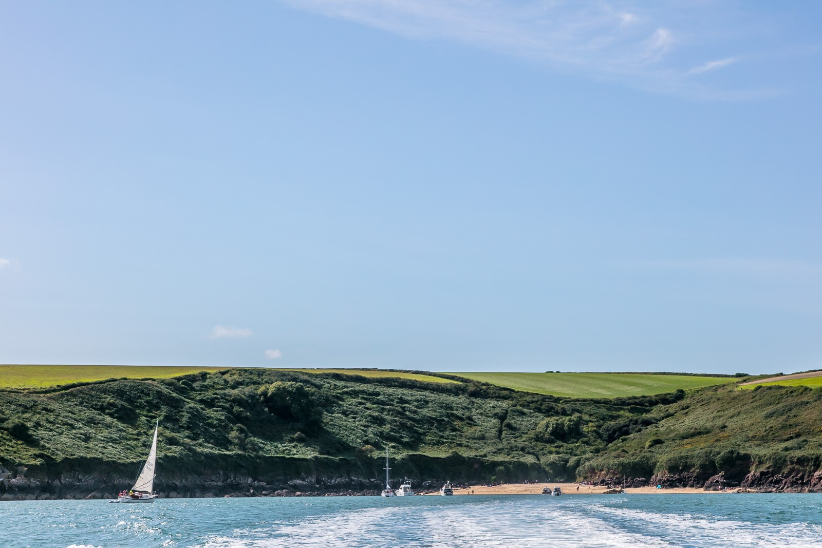 Sailing to Watwick Bay